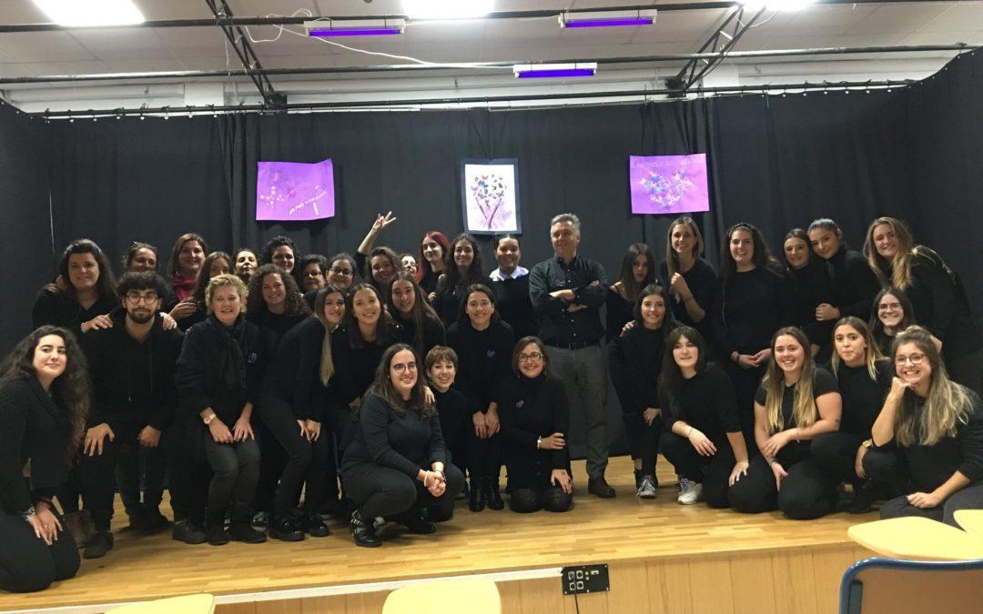 Performance contra la violencia de género